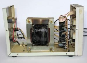 Згорів стабілізатор напруги LUXEON AVR-500